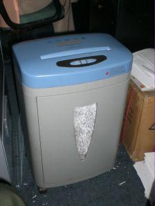 Mesin Pemarut Kertas / Paper Shredder