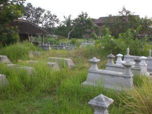 Kuburan Tak Terurus 1