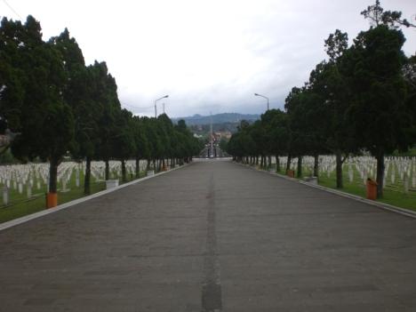 Jalan Makam Bagian Depan Menuju Komplek Makam Utama