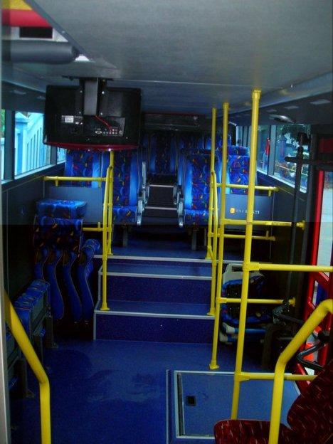 Bus Tingkat Solo Nampak Dalam (foto diperoleh dari Forum SkyscraperCity yg diambil dari FB Wiradat Anindito)