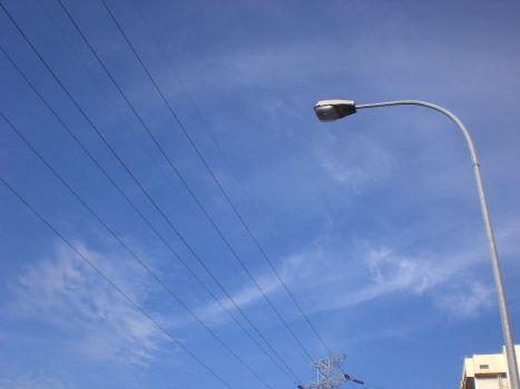 Awan yang terhalang kabel listrik2