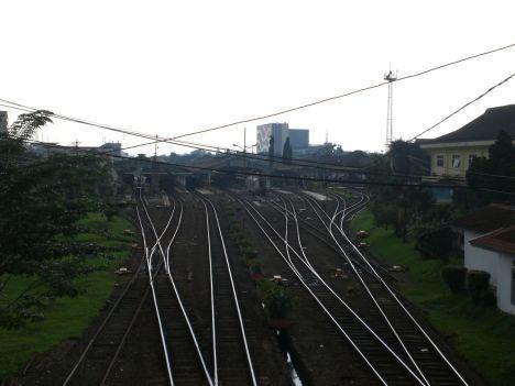 Jalur Rel Stasiun Bandung Dari Atas