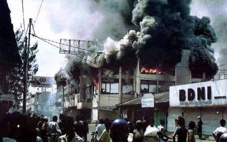 Ratu Luwes Pasar Legi Dibakar Saat Kerusuhan Mei 1998