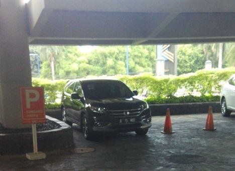 Mobil Ismed Hasan Putro (Direktur Utama PT. Rajawali Nusantara)