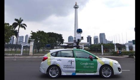 Mobil Google Street View di Monas